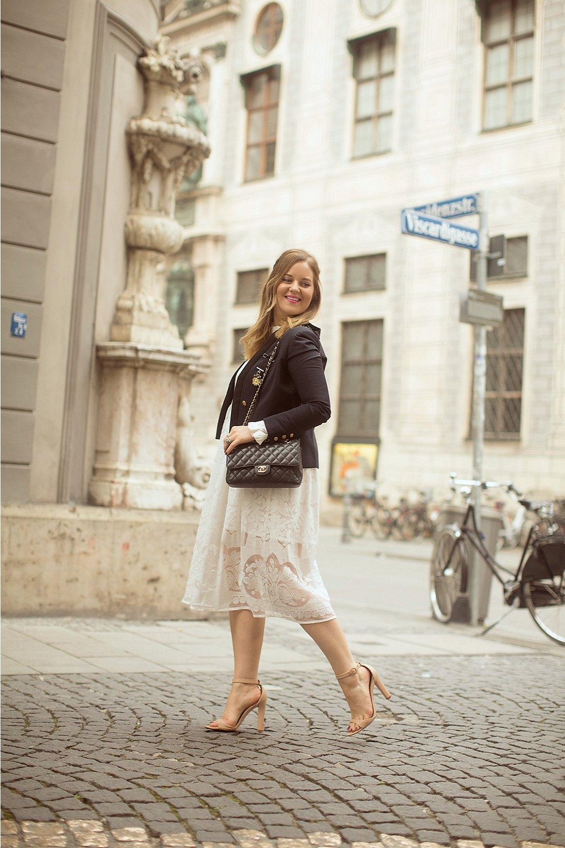 A Girl, A Style _ Oktoberfest 5