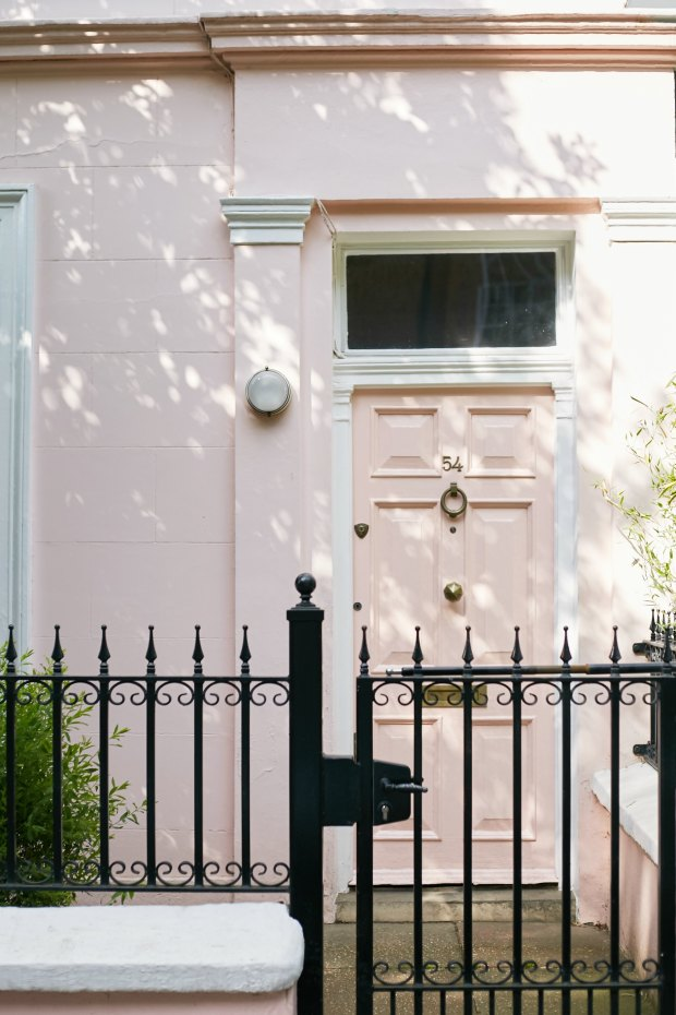 A Girl, A Style _ Pink Door, Notting Hill