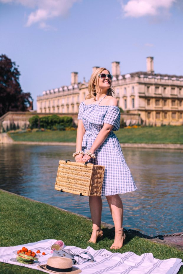 A Girl, A Style _ Picnic at Kings College, Cambridge