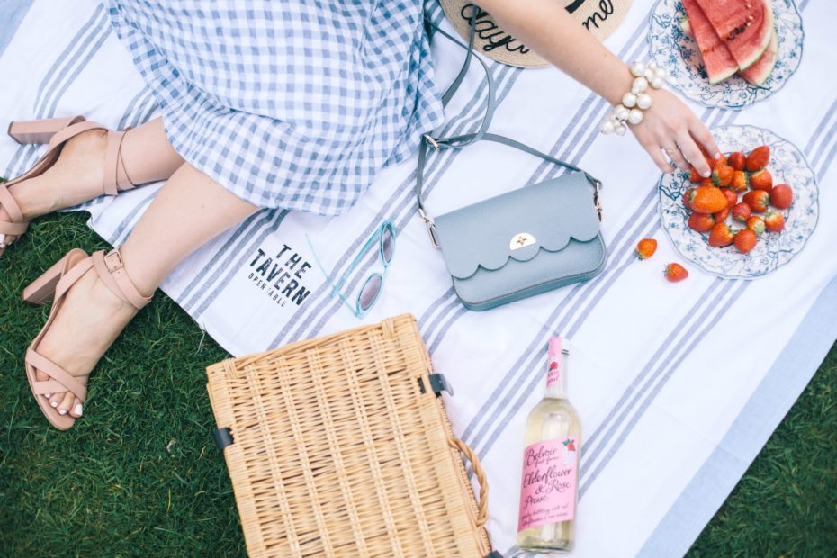 A Girl, A Style _ Sunday Picnic Cambridge Satchel Co Cloud Bag